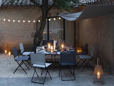How to set up a dining space outside