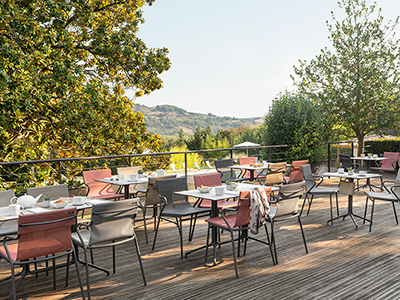 How to set up a restaurant patio